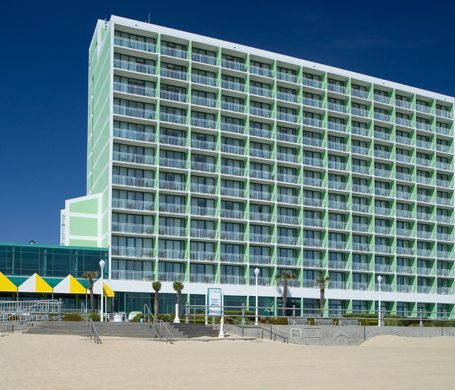 Virginia Beach Hotel - Holiday Inn Virginia Beach Oceanside - Virginia Beach Oceanfront Hotel Rooms