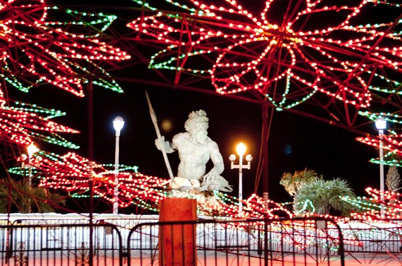 holiday lights at the beach 2016 - Virginia Beach Christmas Lights